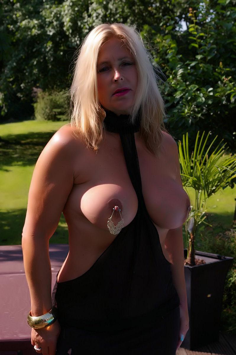 image Nipples fucked von der seite frauenmeister