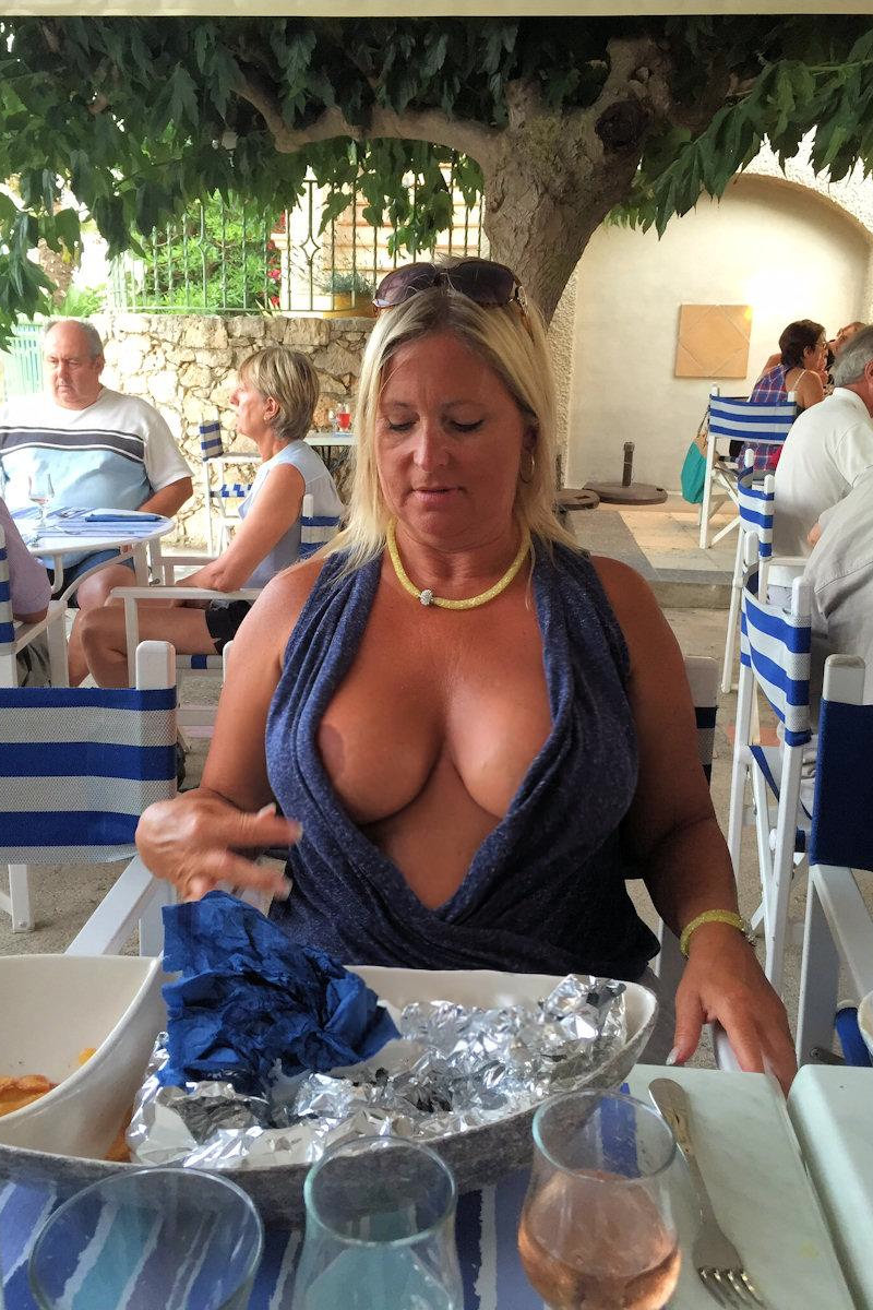 flashing boobs in public