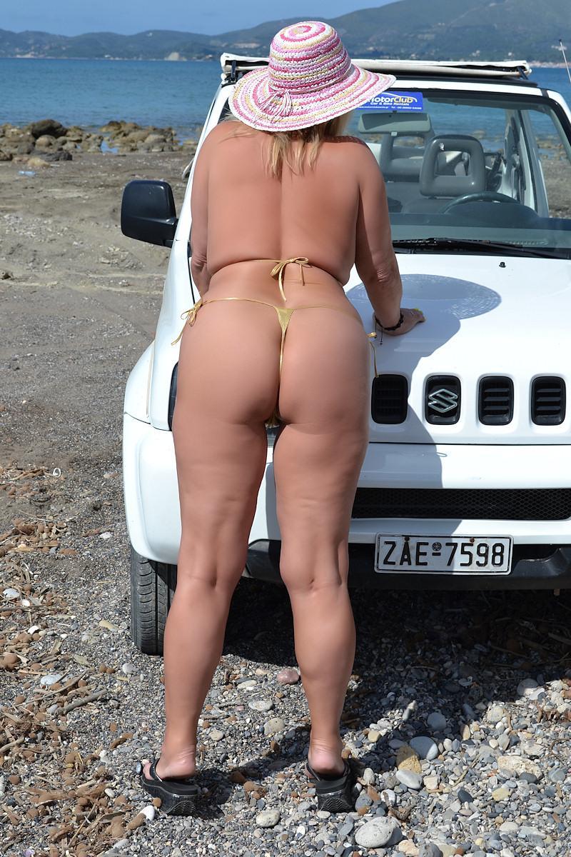 nackt in Griechenland